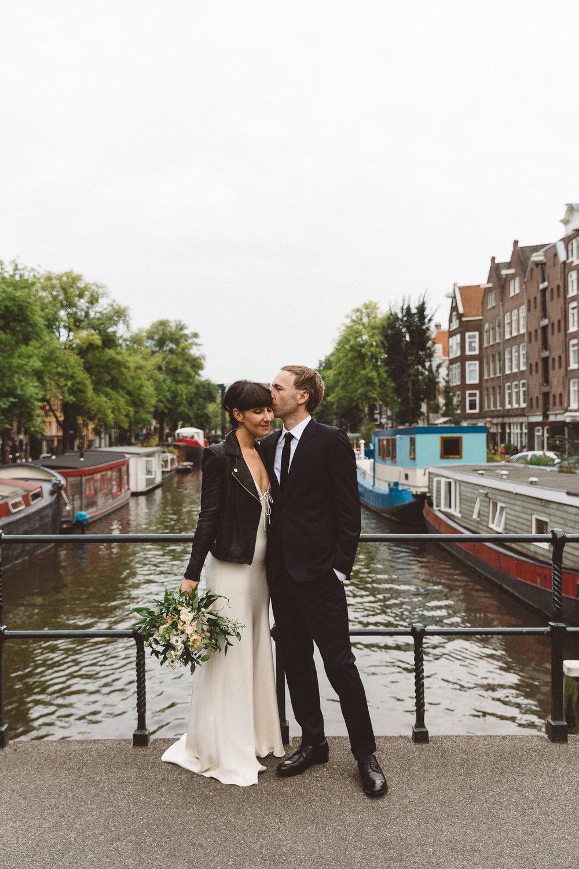 Wedding-James-and-Tiffany-photography-On-a-hazy-morning-Amsterdam-368.jpg