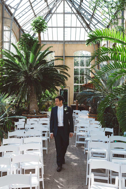 Wedding-photography-trouwfotografie-huwelijksfotograaf-Hortus-Botanicus-Amsterdam-On-a-hazy-morning-4.jpg