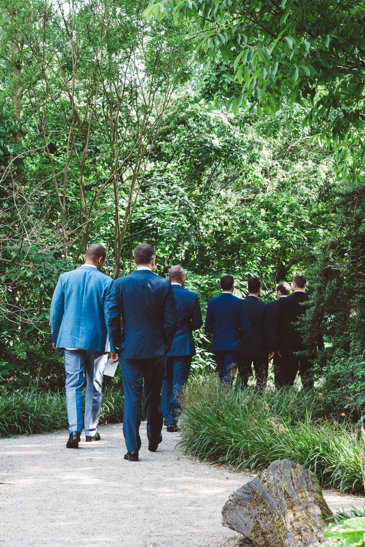 Wedding-photography-trouwfotografie-huwelijksfotograaf-Hortus-Botanicus-Amsterdam-On-a-hazy-morning-1.jpg