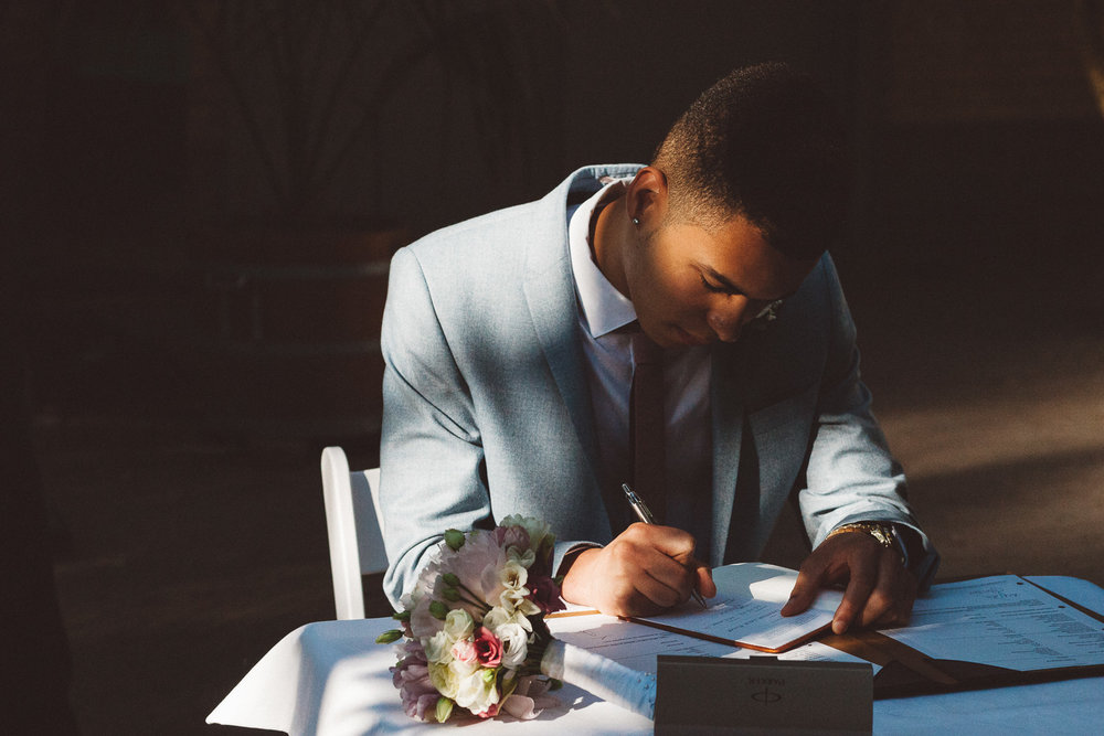Wedding-photography-trouwfotografie-huwelijksfotograaf-Hortus-Botanicus-Amsterdam-On-a-hazy-morning-17.jpg