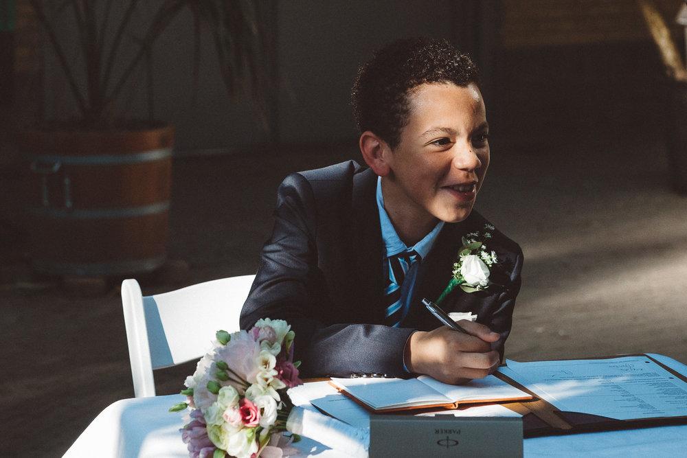 Wedding-photography-trouwfotografie-huwelijksfotograaf-Hortus-Botanicus-Amsterdam-On-a-hazy-morning-18.jpg