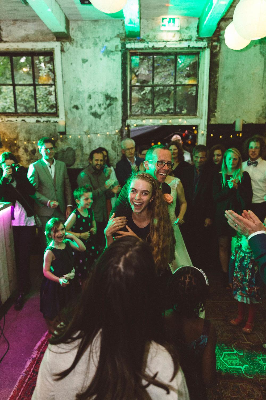 Wedding-huwelijk-trouwen-bruiloft-photography-fotografie-fotograaf-photographer-Huize-Frankendael-On-a-hazy-morning-Amsterdam-The-Netherlands-40.jpg