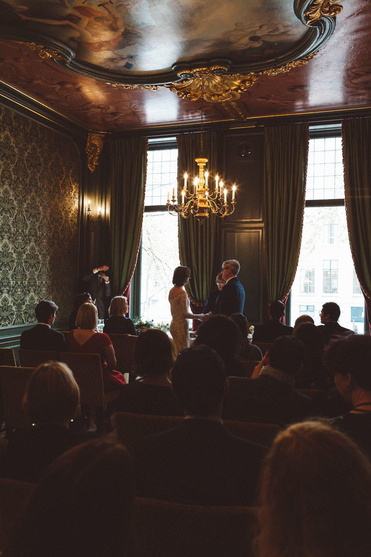 Wedding-Ciara-and-Paul-by-On-a-hazy-morning-Amsterdam-100.jpg