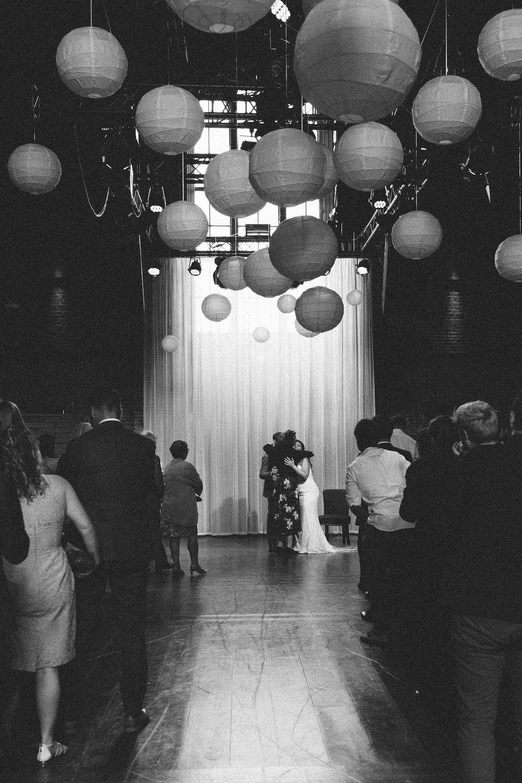 Wedding-Francesca-and-Nathan-photography-On-a-hazy-morning-Amsterdam140.jpg
