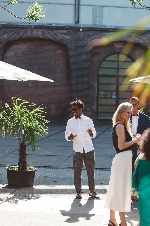 Wedding-Francesca-and-Nathan-photography-On-a-hazy-morning-Amsterdam224.jpg