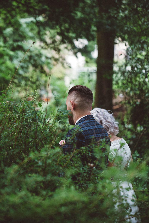 Wedding-Bethan-and-Mike-Hortus-Botanicus-photography-On-a-hazy-morning-Amsterdam148.jpg