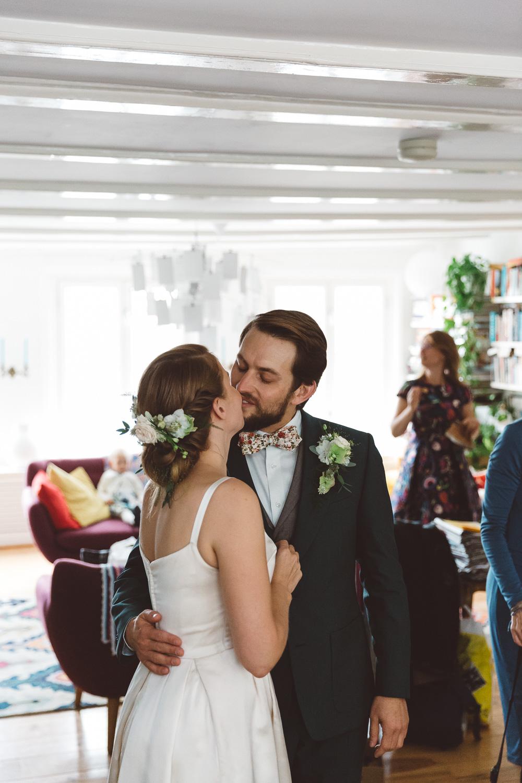 Bruiloft-Liselotte-en-Joram-fotografie-On-a-hazy-morning-weddings-LR039.jpg