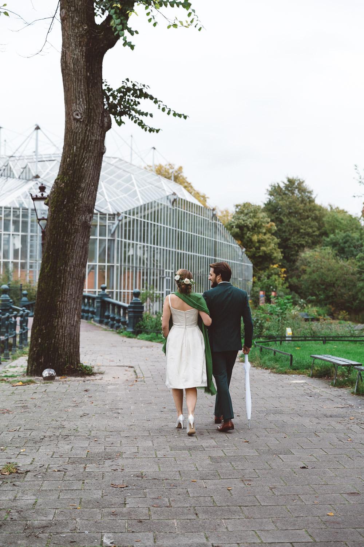 Bruiloft-Liselotte-en-Joram-fotografie-On-a-hazy-morning-weddings-LR090.jpg