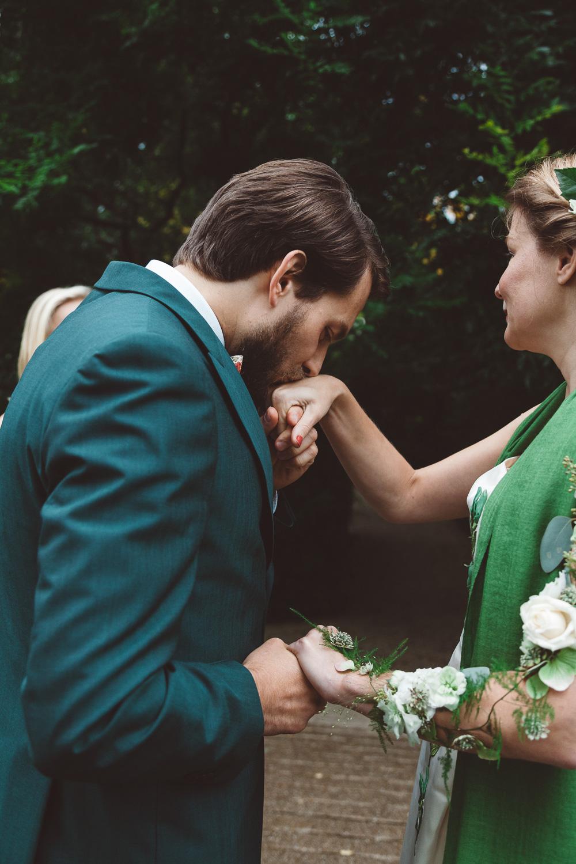 Bruiloft-Liselotte-en-Joram-fotografie-On-a-hazy-morning-weddings-LR112.jpg