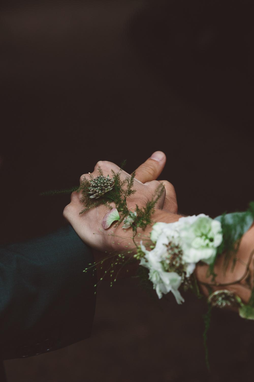 Bruiloft-Liselotte-en-Joram-fotografie-On-a-hazy-morning-weddings-LR114.jpg