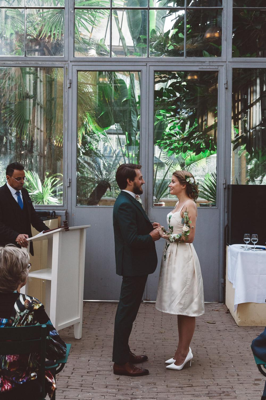 Bruiloft-Liselotte-en-Joram-fotografie-On-a-hazy-morning-weddings-LR174.jpg