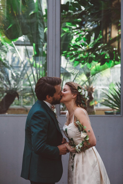 Bruiloft-Liselotte-en-Joram-fotografie-On-a-hazy-morning-weddings-LR178.jpg