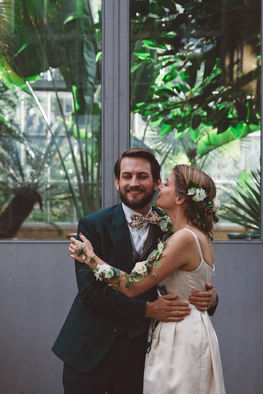 Bruiloft-Liselotte-en-Joram-fotografie-On-a-hazy-morning-weddings-LR186.jpg