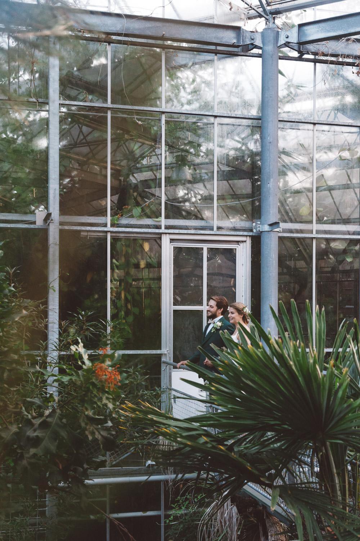 Bruiloft-Liselotte-en-Joram-fotografie-On-a-hazy-morning-weddings-LR303.jpg