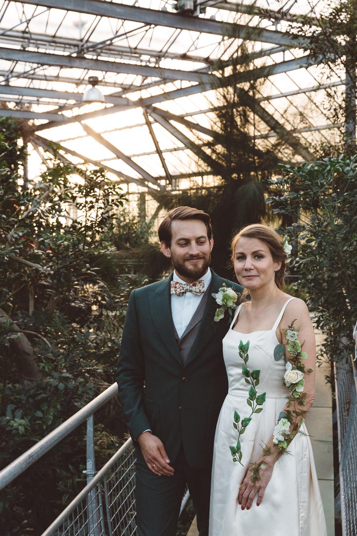 Bruiloft-Liselotte-en-Joram-fotografie-On-a-hazy-morning-weddings-LR315.jpg