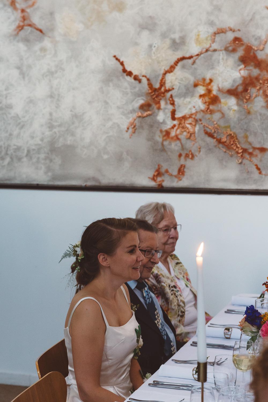 Bruiloft-Liselotte-en-Joram-fotografie-On-a-hazy-morning-weddings-LR321.jpg
