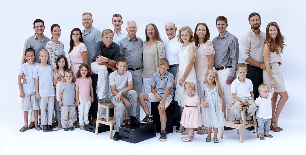 georgetown_family_portrait_large_group.JPG
