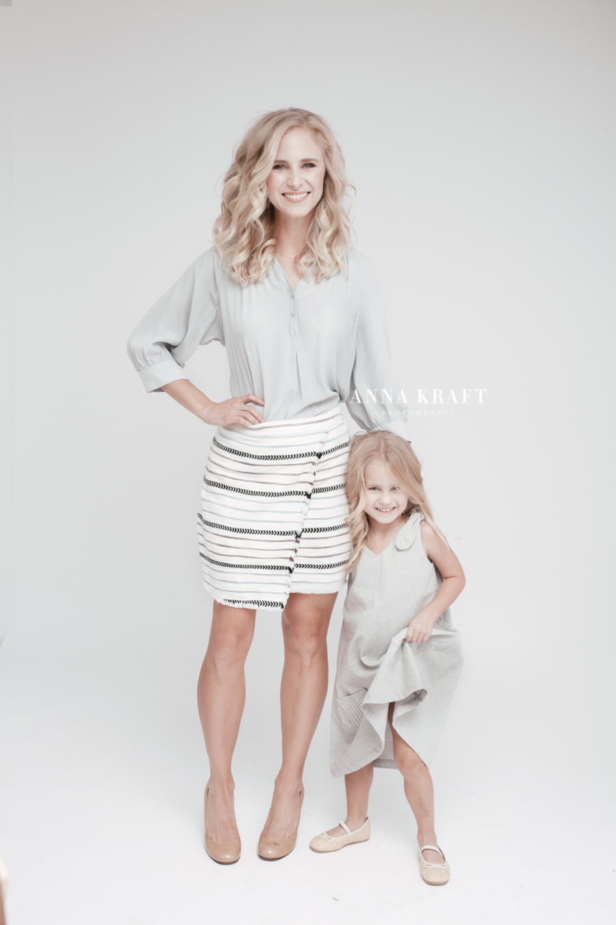 anna_kraft_photography_georgetown_square_studio_family_portrait_Christmas_walters_pictures-4.jpg