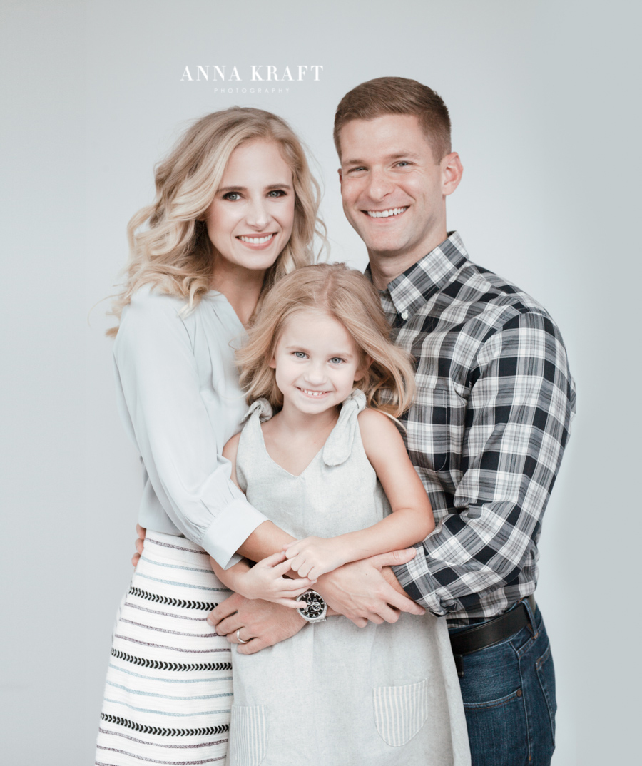 anna_kraft_photography_georgetown_square_studio_family_portrait_Christmas_walters_pictures-7.jpg