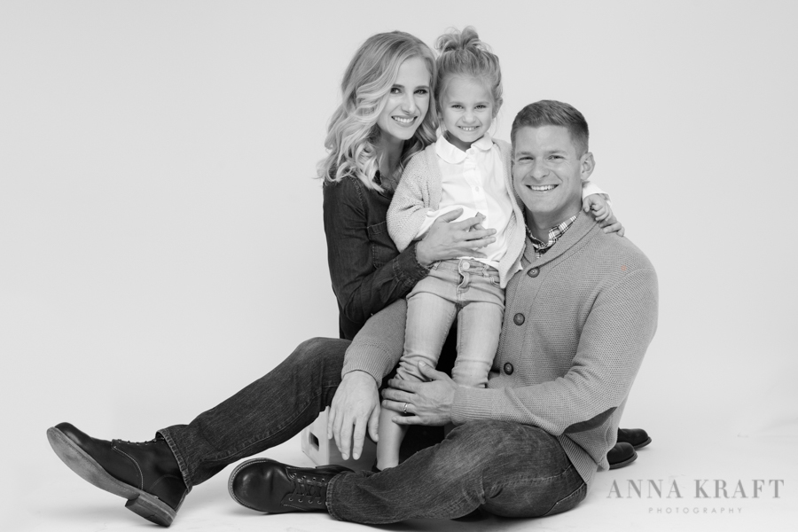 anna_kraft_photography_georgetown_square_studio_family_portrait_Christmas_walters_pictures-27.jpg