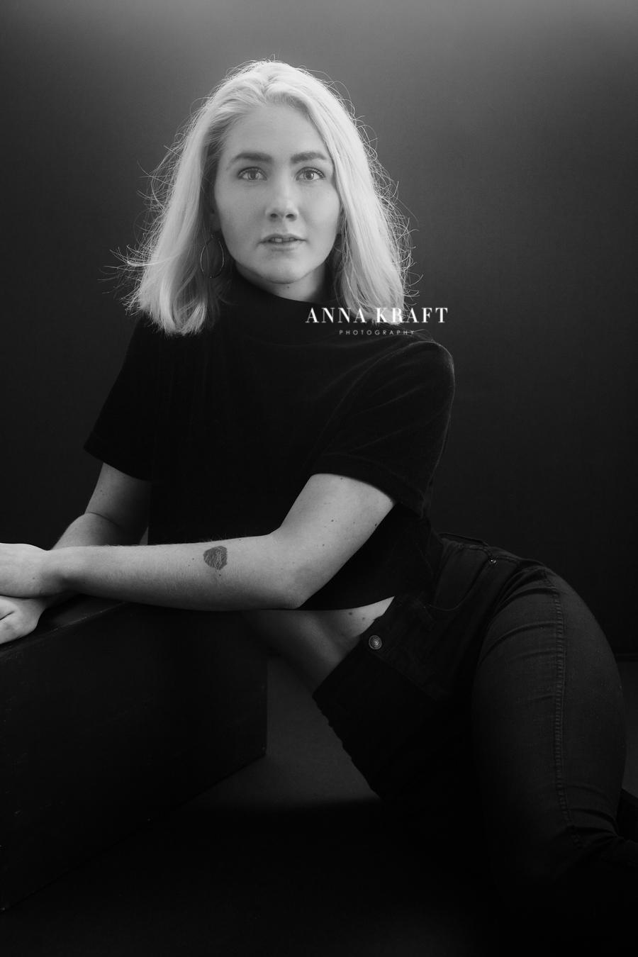 anna_kraft_photography_georgetown_square_studio_family_portrait_jerusha_senior-10.jpg