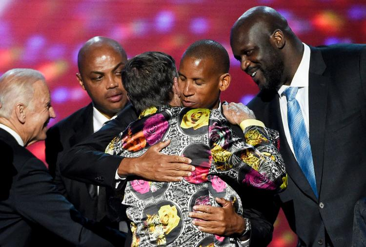 Craig Sager was inducted into the Sports Broadcaster Hall of Fame and receives hugs from Vice President Joe Biden, Charles Barkley, Reggie Miller, and Shaq