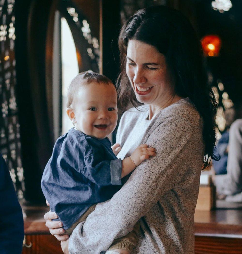 JULIE WHELANConseillère stratégique - Basée à Toronto, Julie est consultante dans l'industrie créative et culturelle. Ses clients viennent des secteurs privés et publics. Julie aime aider les organisations à développer pleinement leur potentiel, en édifiant des stratégies de planification, des études d'impact, tout en développant partenariats et stratégies de croissance. Julie a travaillé au Royaume-Uni durant six ans pour les entreprises Penguin, Random House et HarperCollins. Elle a également collaboré avec des enseignants pour les jouets pour enfants DK (My First, DK Eyewitness). Julie est présentement cadre supérieure chez Nordicity. Elle détient un MBA en gestion artistique et médiatique (Sculich School of Business - York University) et un BA en études culturelles anglaises (McGill University).