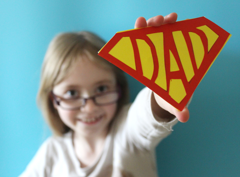 how to make a super dad badge