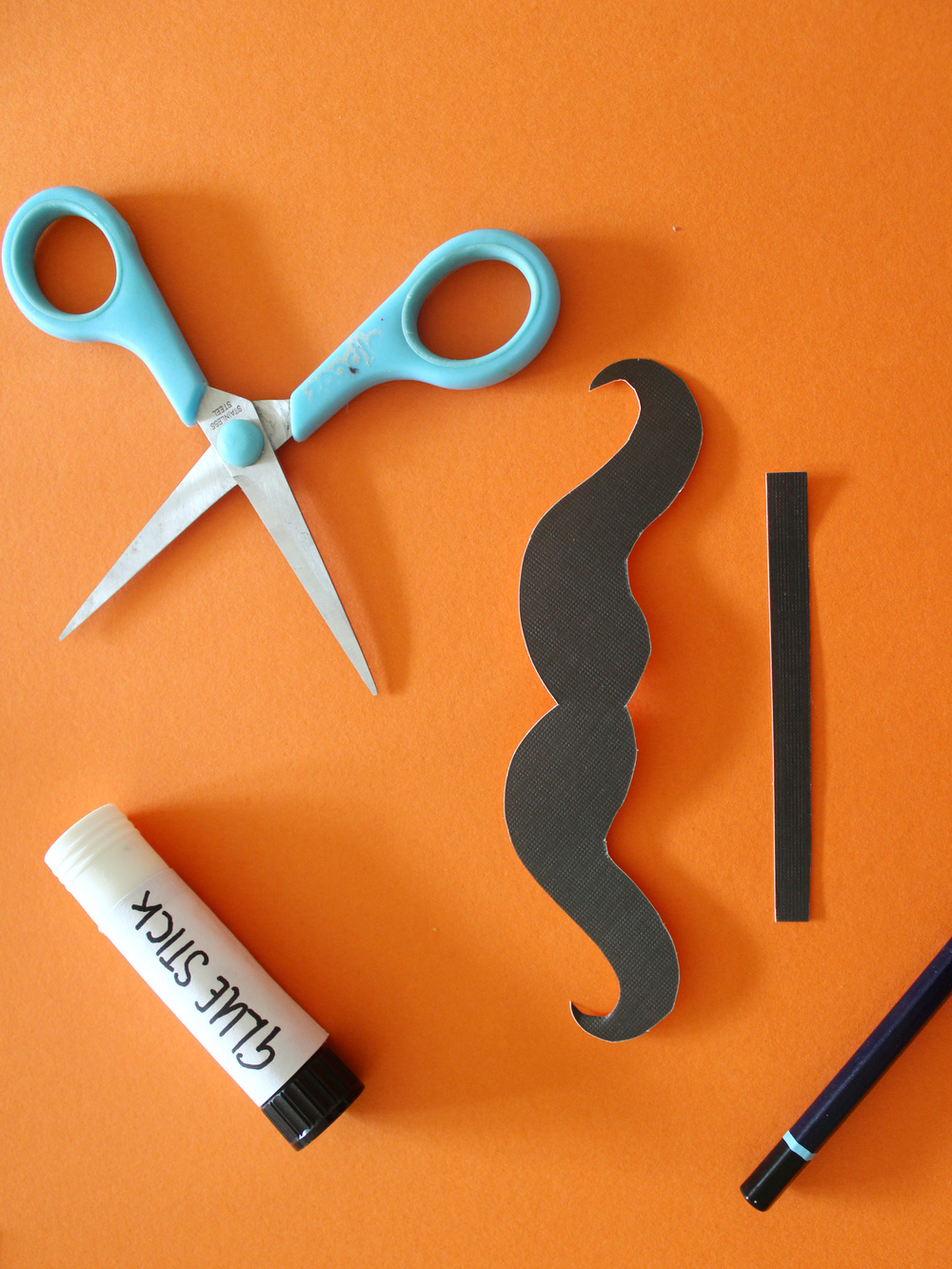 how to make a moustache bookmark