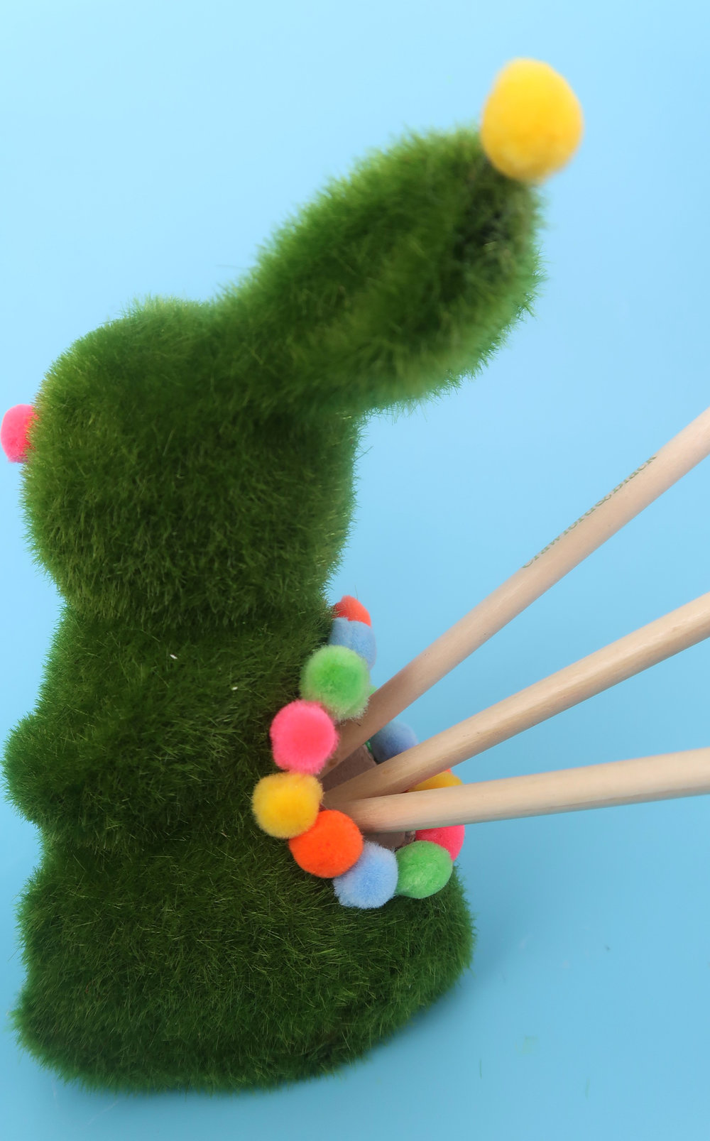 make a spring bunny stationery holder.