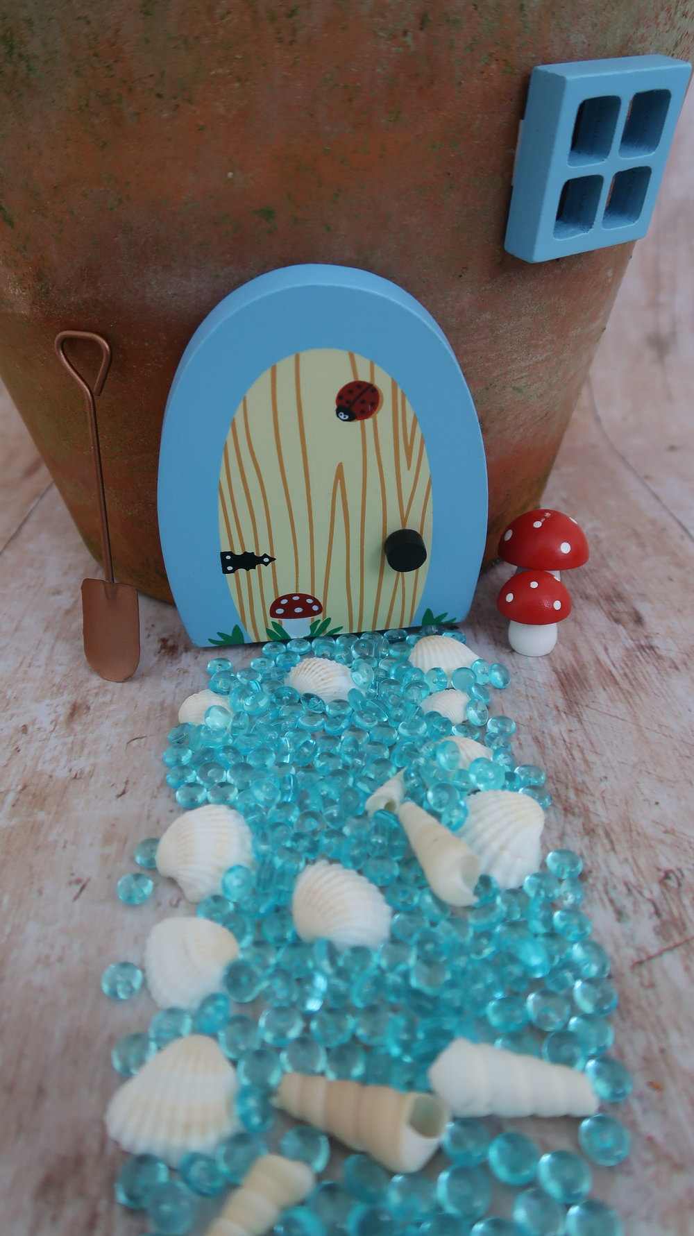HOW TO MAKE A FAIRY DOOR GARDEN