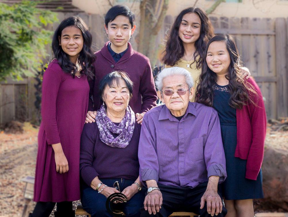 FAMILY PHOTOSHOOT MAROON
