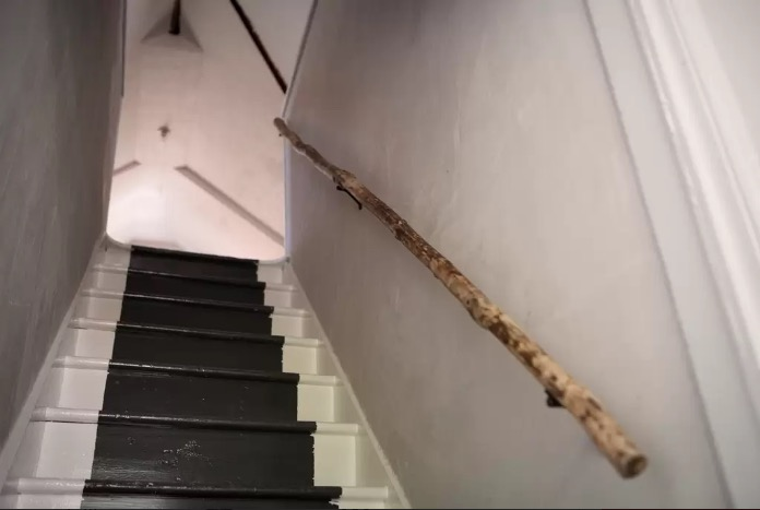 TableOnTen_stairs.jpeg