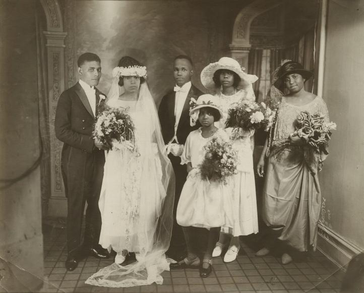 James Van Der Zee, Wedding Party, 1923. Courtesy Howard Greenberg Gallery, New York