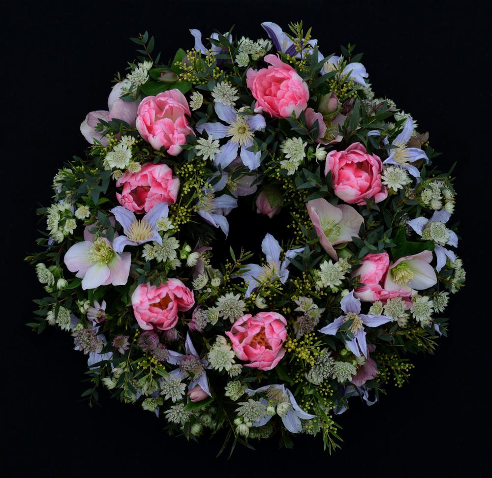 Feminine wreath full.jpg