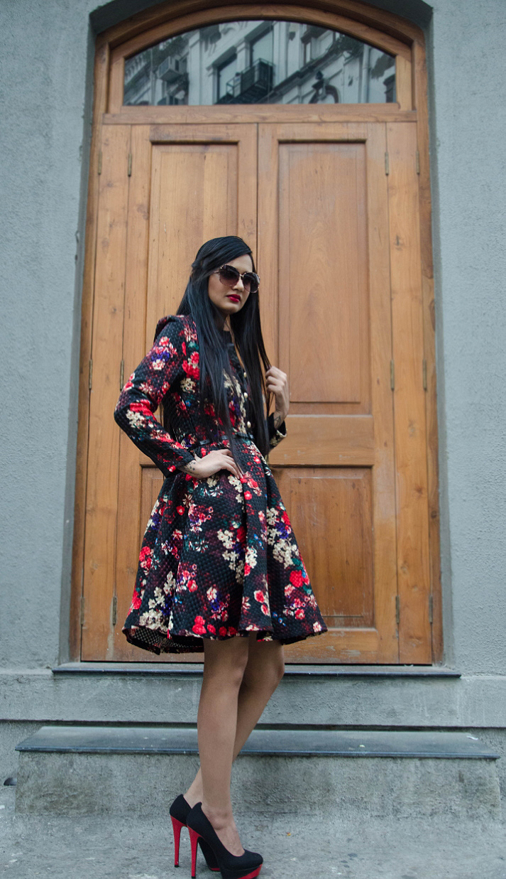 The-Chic-Armoire-by-Nidhi-Kunder-Flowerbomb-5