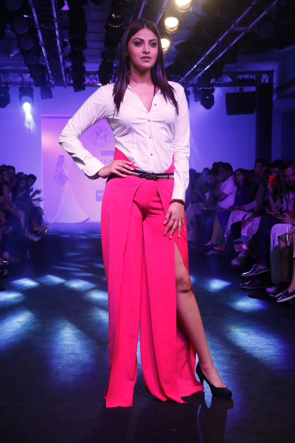 Karn-Malhotra-Lakme-Fashion-Week-2