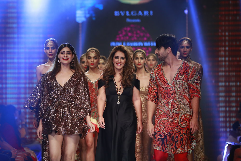 6th Edition - Pune Fashion Week 2016 - Actress Puja Gupta as showstopper with Designer Priya Kataria Puri's collection for Smile Foundation.JPG