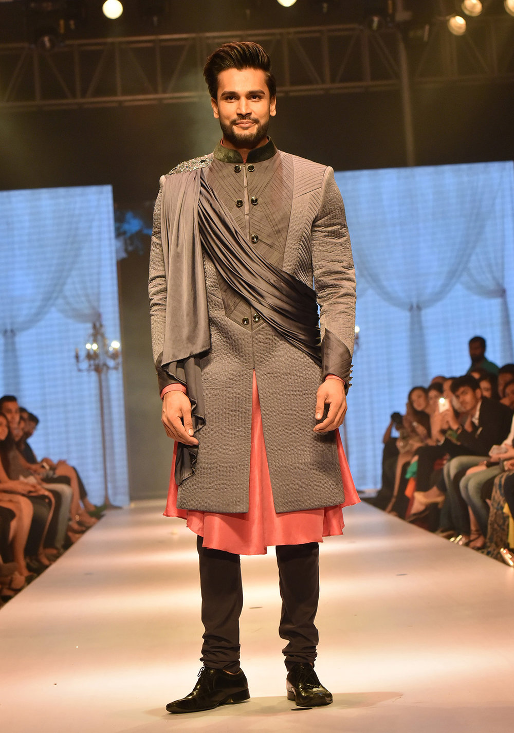 Showstopper Mr. World Rohit Khandelwal for Designer Nivedita Saboo's Grand Finale