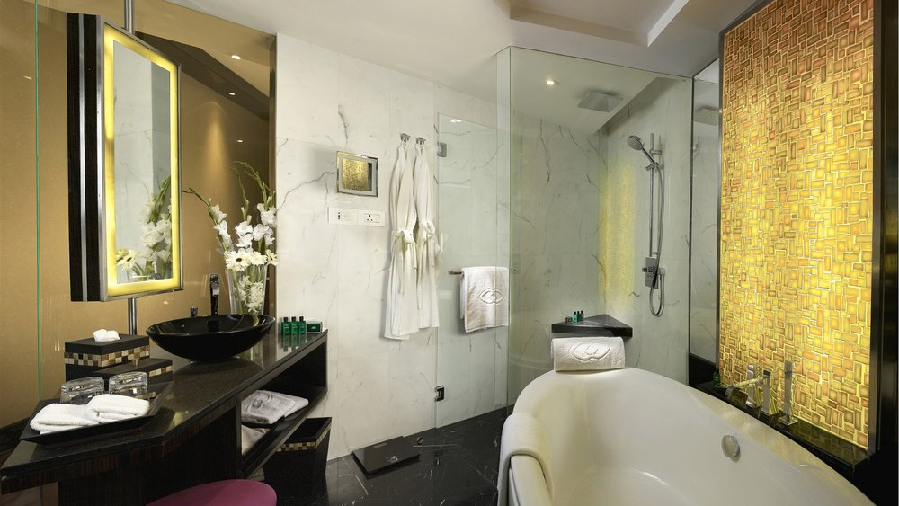 Sofitel-Mumbai-BKC-Luxury-Room-Bathroom.jpg