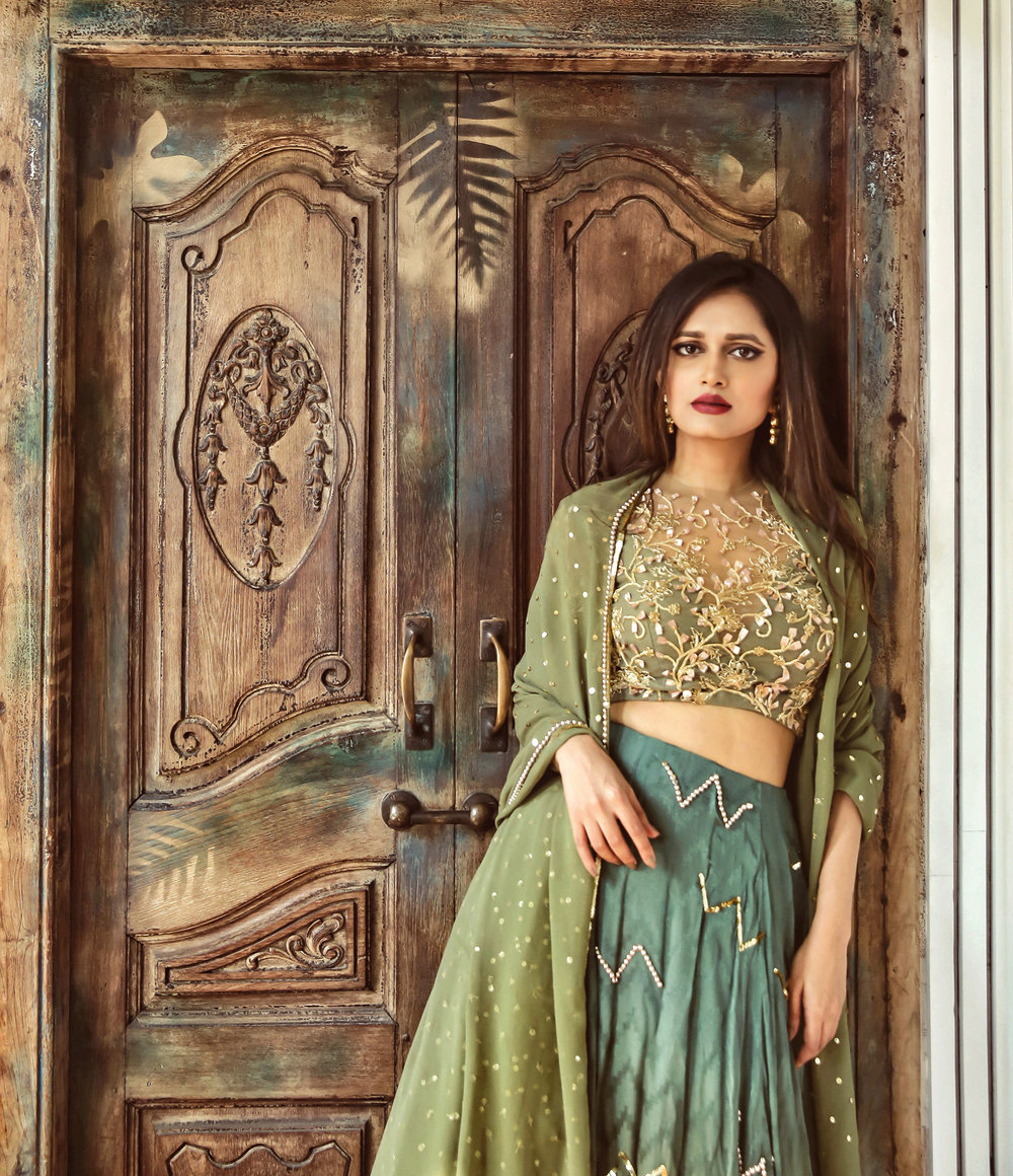 The-Chic-Armoire-by-Nidhi-Kunder-Ohaila-Khan-2