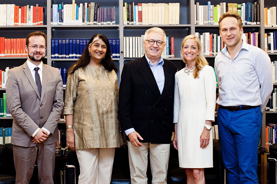 Photo: Executive Director Markus Schweiger, Rector Shalini Randeria (IWM), President Wolfgang Petritsch, Ambassador Alexa Wesner, Vedran Dzihic. Austrian Marshall Plan Foundation/ Michele Pauty