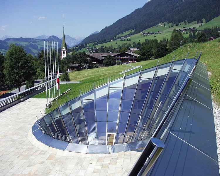 Alpbach Conference Center. Wikimedia /Zátonyi Sándor (ifj.)Fizped