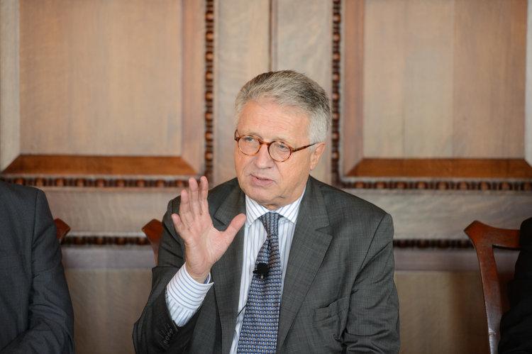 Ambassador Wolfgang Petritsch (c) Kaveh Sardari Photography