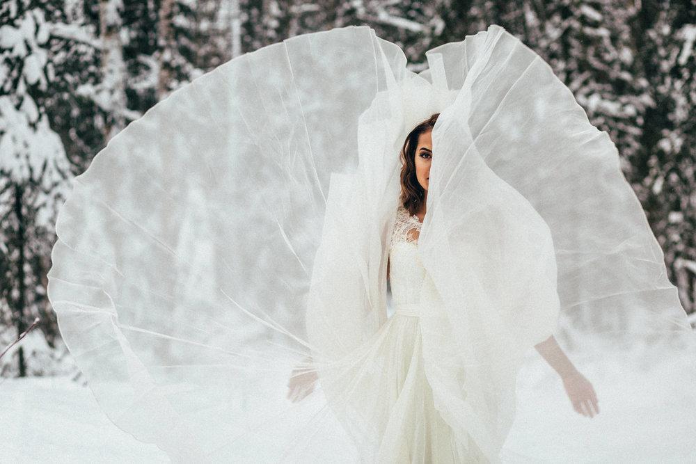 19_winter_wonderland_bride.jpg