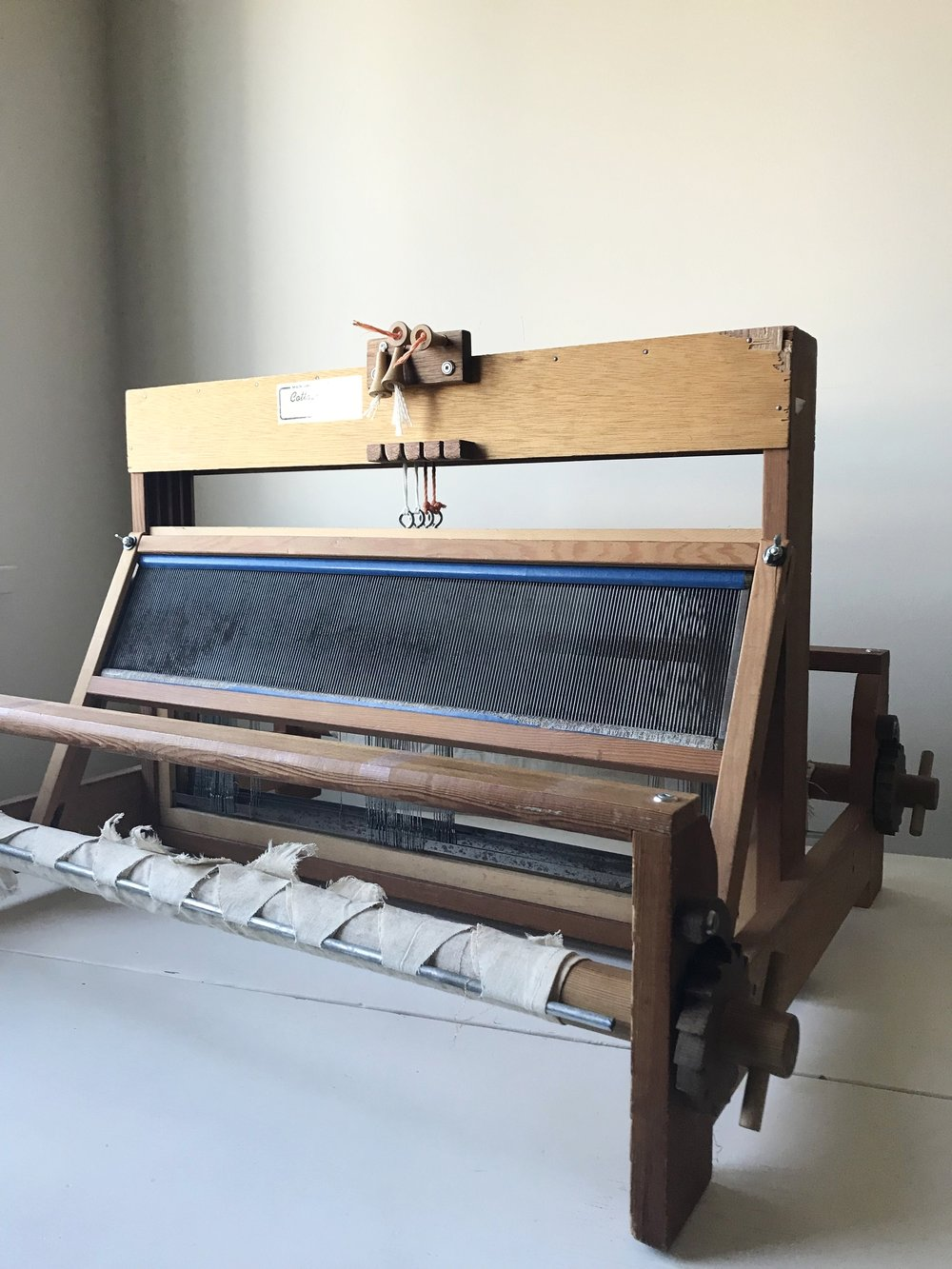 4-harness table-top loom