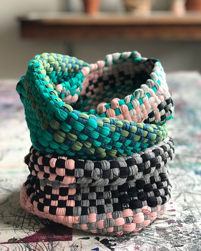 Hi friends! It's been awhile - life has been full of changes lately, including a new job in the @smokinglily studio here in Victoria that keeps me busy busy! ...but as part of my new job I will be teaching workshops, and next up is  our fun Woven Basket Workshop on May 17th. I'd love to see you there! (Maybe you and mom??) More info can be found at smokinglily.com or through the link in my profile. . #smokinglilystudio #smokinglily #zerowaste #sustainablefashion #victoriabc #yyj #victoriabuzz #whomademyclothes #weaving