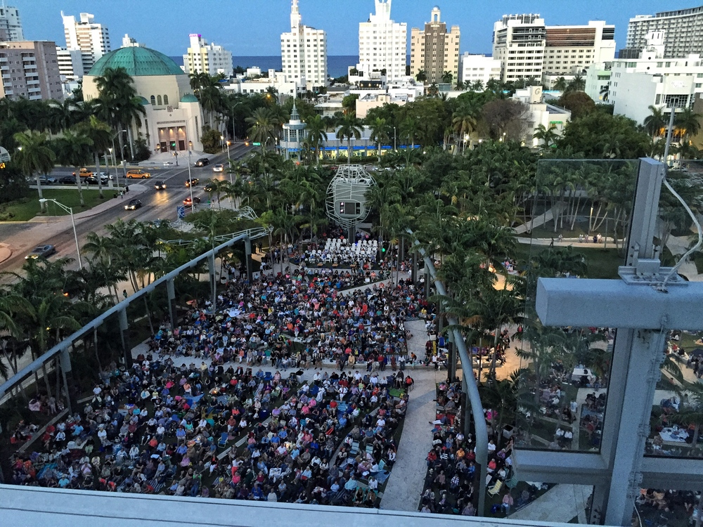 Miami Beach residents turned up in record numbers for the NWS WALLCAST end of season concert.
