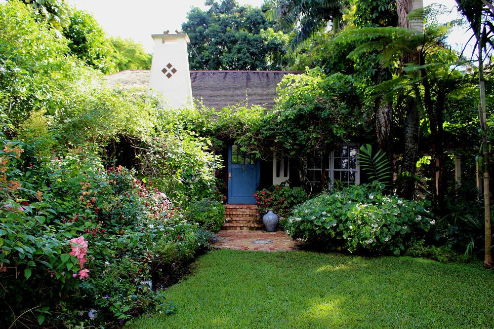 All photos courtesy of Walton House: www.waltonhousemiami.com