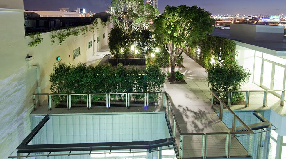 2_rooftop-garden_256436-1.jpg
